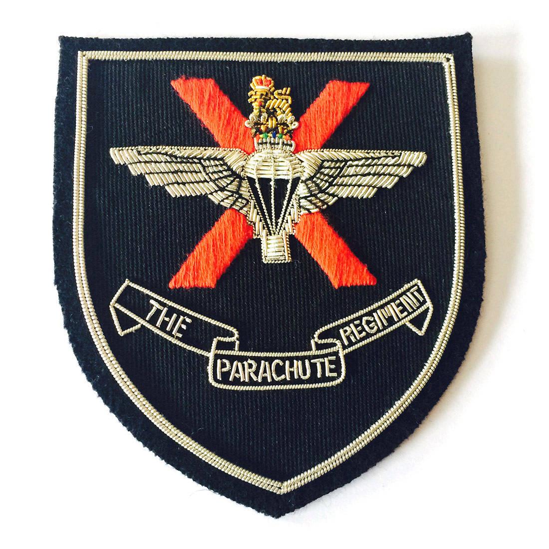 10 (X) Para Blazer Badge