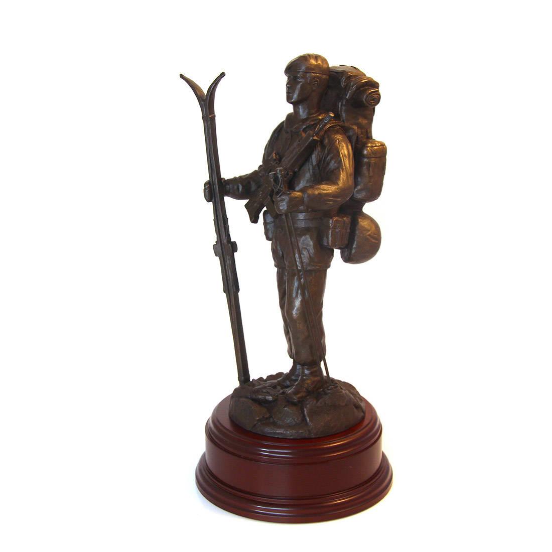 Arctic Para Statue (11 Inch, Resin Bronze)