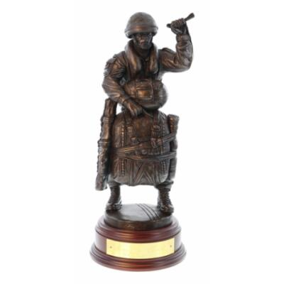 """Drop Order """"RED ON"""" LLP Para With SA80 Statue (Resin Bronze)"""