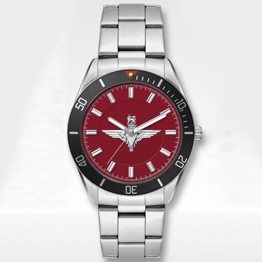 Stainless Steel Para Watch with Silvered Metal Bracelet